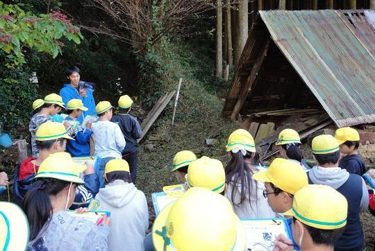 歴史から環境の変化を探る!豊富小学校6年生がホタル学校に来校