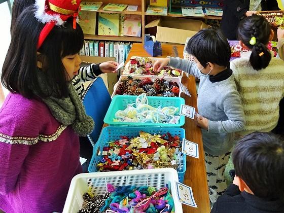 毎年恒例「自然素材でクリスマス飾り作り」イベントを開催☆
