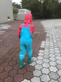 レインウエアは何がおススメ? ~雨の日に、森遊びを楽しむには~