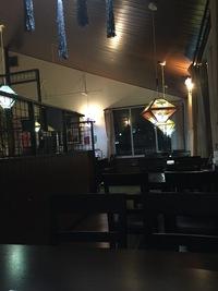 夜にひっそり。 カフェで密会。