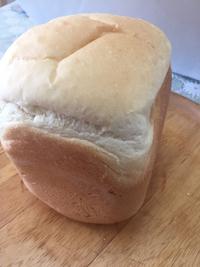 焼きたてのパンの香りで目を覚ます(   ゚∀゚)