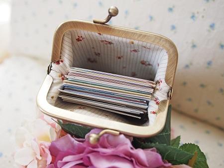 *がま口カードケース <茶系花柄>