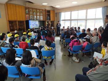 ホタル学校「ホタルの幼虫放流式」を開催しました!