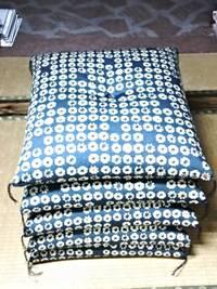 手作り、木綿わた入り座布団