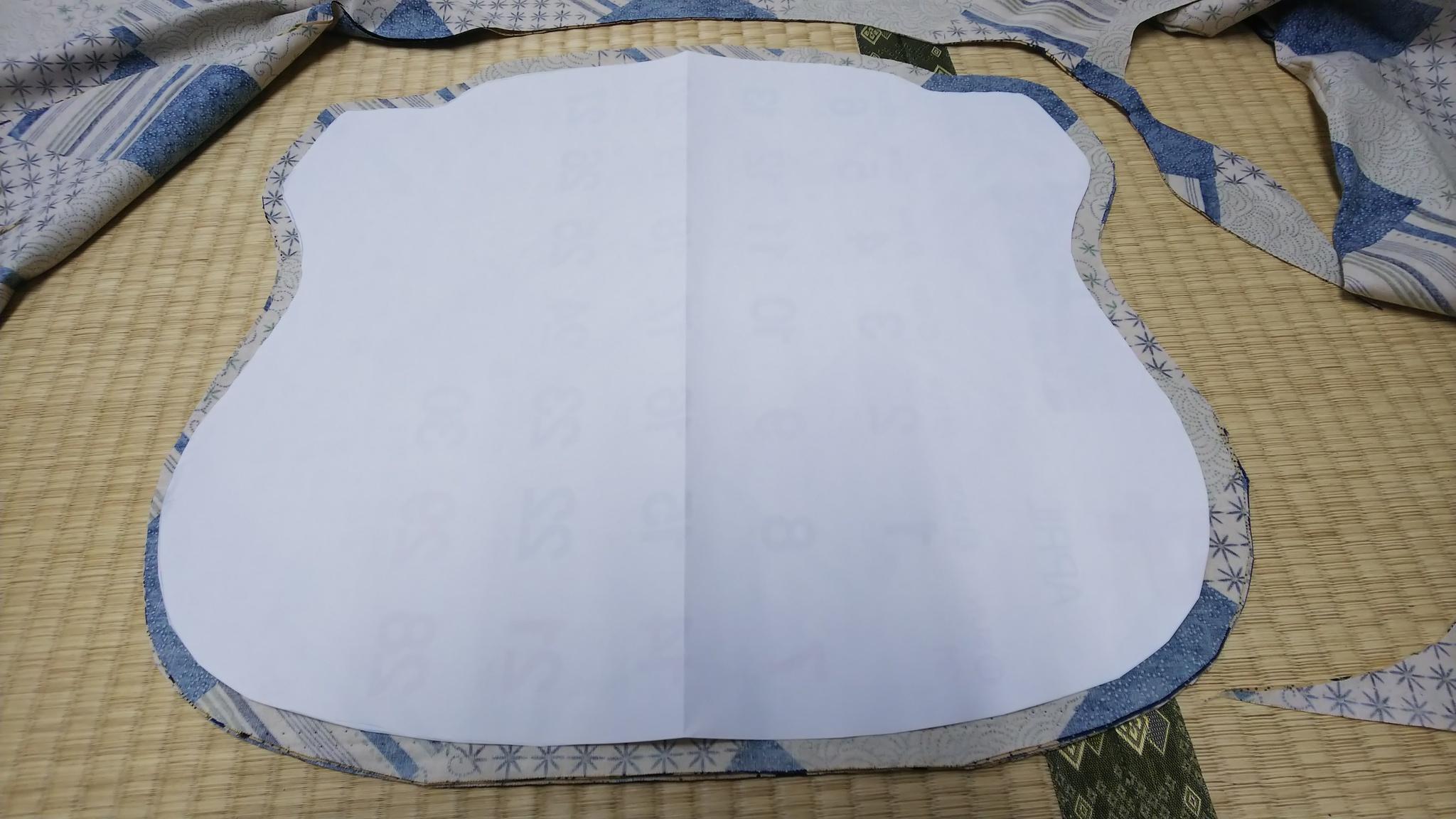 オーダーで椅子用座布団、手作り。