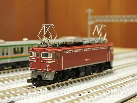 TOMIX EF64-77&ED75-121が入線しました。