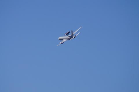 青空に舞う大きな円盤とスモークアートin浜松 その一