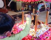萬福寺の花まつり2016 お釈迦さまに甘茶をかける