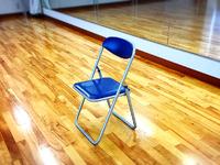 病院の待合時間にみんなで『椅子ヨガ』やったそうです(๑˃̵ᴗ˂̵)