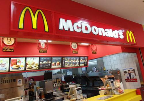 日本マクドナルドが過去最高赤字で窮地に