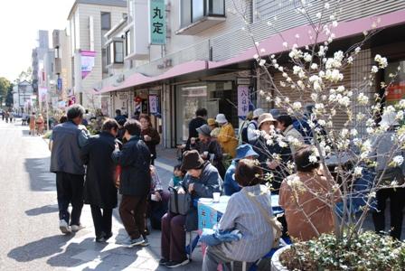 探検日誌No.006~桜町本通り商店街 「八日朝市」!~