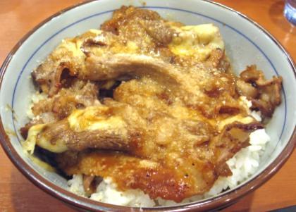 牛丼業界の「第三極」が急落/東京チカラめし