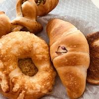ぱん工房ありが10さん【岡崎市】今日はカレーパンがお試し価格でした♪期間限定の桜あん塩バターパンも美味しかった❤︎