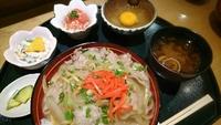 三州豚丼でガッツリランチ! 2017/11/14 16:30:40