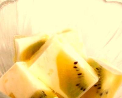 牛乳で簡単おやつ、牛乳寒天!