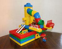 お家 ~LEGOデュプロ~ くねくね滑り台を付けました。