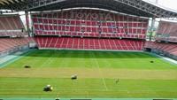 豊田スタジアムでは、心地よい風が吹き抜けるコンコースでウォーキングレッスン!
