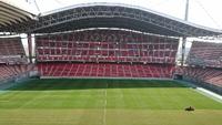 芝刈り中の豊田スタジアムのピッチを見ながら快適ウォーキング!