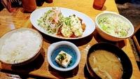 東京・大井町での夕食は、鶏じゃなくて豚南蛮定食です(^o^)
