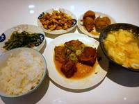 台湾料理 好呷!(HO-JA)